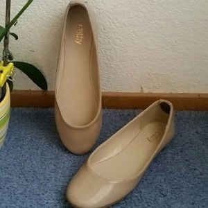 Cathy jean nude patent ballerina flats
